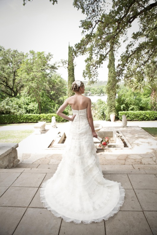 Wedding Photographer, Bridal Portrait, Laguna Gloria, Austin Wedding Photographer, Wedding Photography Austin
